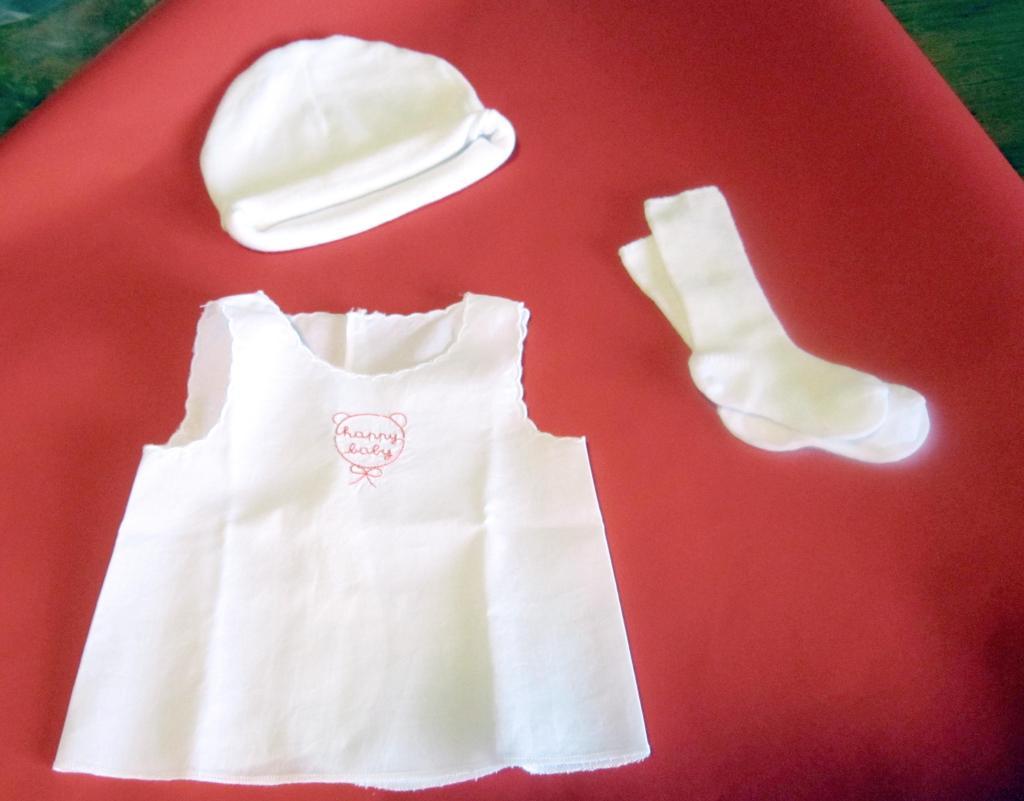 21.12 cappellino camicino calzini