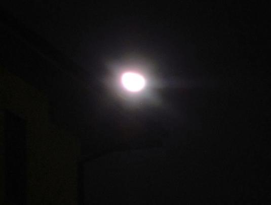 2.1.2013 Luna sdraiata sui tetti