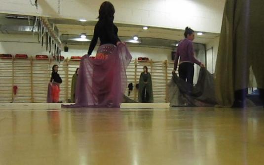 a danza in palestra col velo
