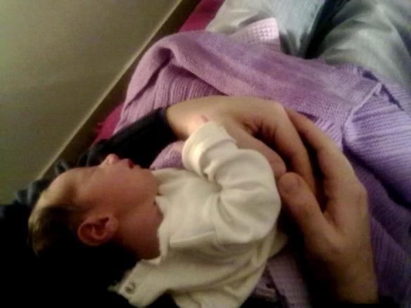 12 febbraio profilo di Viola in braccio a babbo