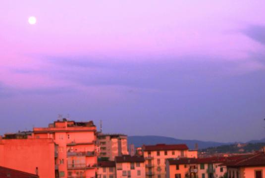 24.4.2013 Firenze Luna verso il tramonto