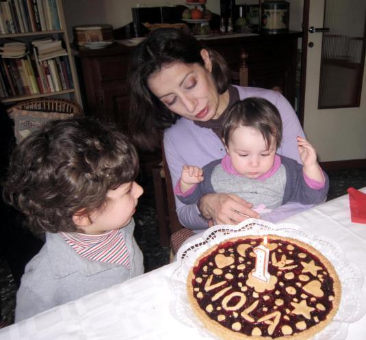 8 Bernie Cate Viola e torta2