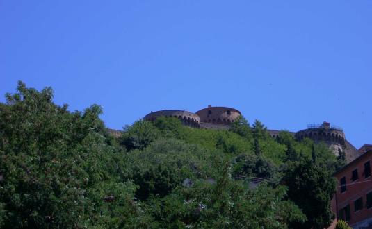 Volterra giugno 2011 mura e mastio