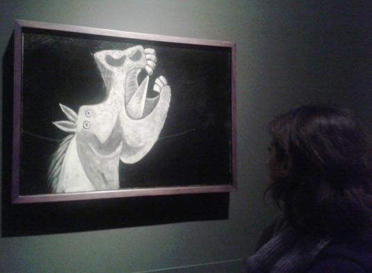 8 davanti Picasso studio Guernica