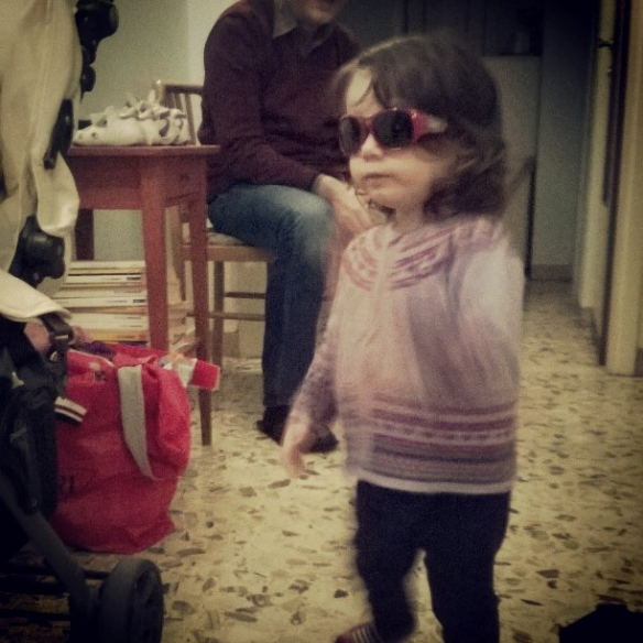 17.11.2014 Viola occhiali