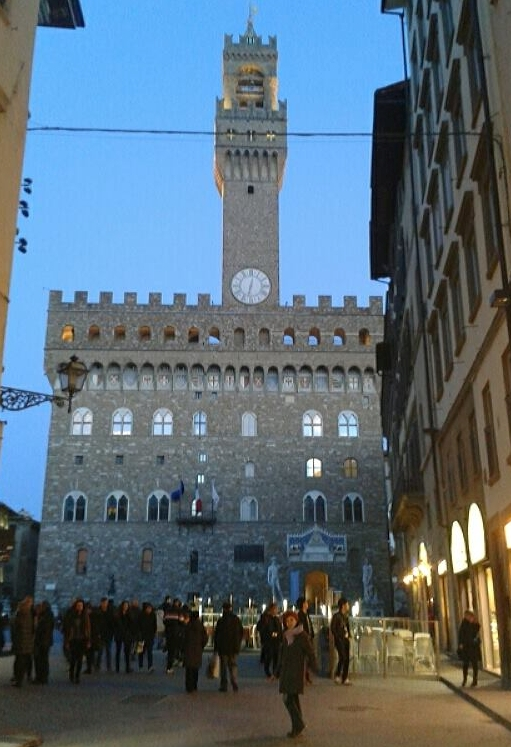 7 davanti Palazzo Vecchio