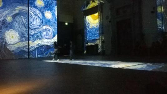 7 marzo Van Gogh notte stellata e bambine