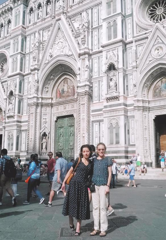 27 con Anna davanti al Duomo