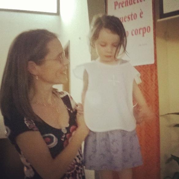 7 giugno 2015 Anna con Viola e la vestina bianca