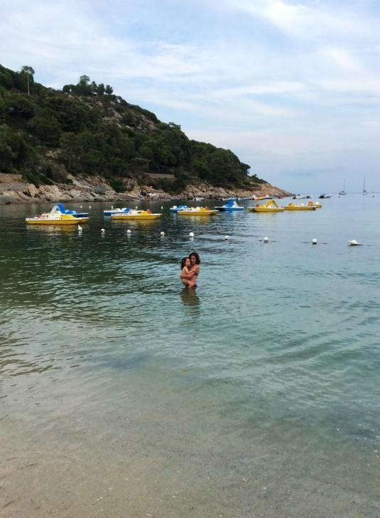 14.8.2015 in mare con Viola3