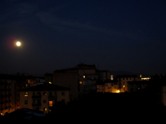 29.8.2015 Luna su Firenze4