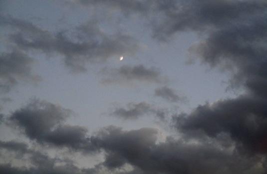 21 settembre 2015 Luna tra le nuvole