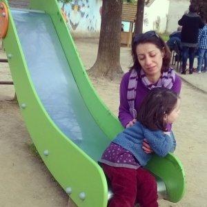 27 marzo con Viola accanto allo scivolo