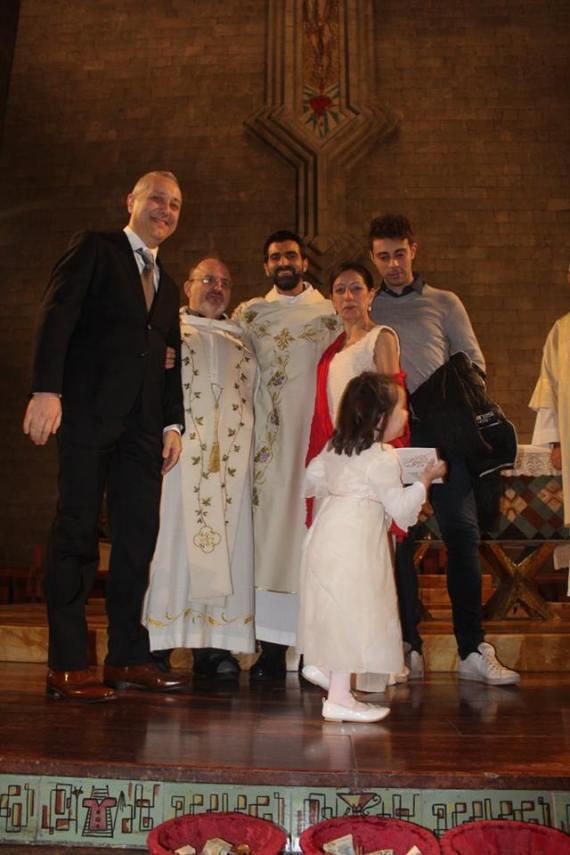 6-novembre-2016-damigella-vivace-alla-fine-delle-nozze-in-chiesa