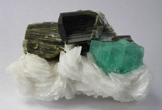 albite-fluorite-jmix08-19a