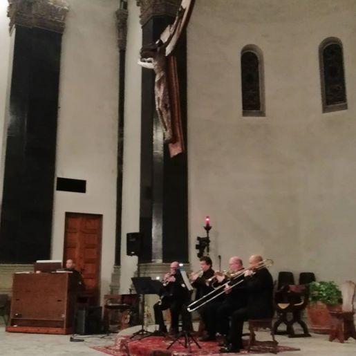 26 dicembre 2019 concerto organo e ottoni san Jacopino2.jpg