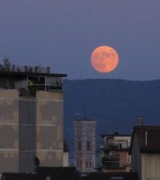 4 luglio 2020 Luna rosa su Firenze2